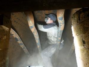 Treballs neteja interior locomotora Mikado març 2014