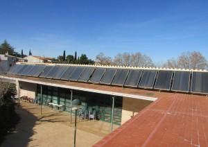 Tivissa plaques solars edifici del Càmping Alberg municipal 0