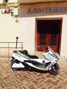 Nova moto elèctrica policia local Móra d'Ebre abril2014