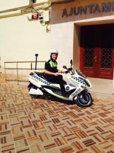 Nova moto elèctrica policia local Móra d'Ebre_2abril2014