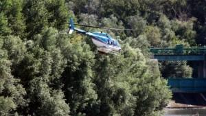 Lhelicopter-insecticida-Segre-Mitjana-ACN_ARAIMA20130808_0134_39