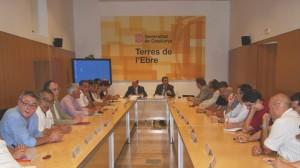 El rector de la URV, Francesc X. Grau, i el delegat del Govern, Lluís Salvadó, presideixen la constitució del Consell Promotor del PETE